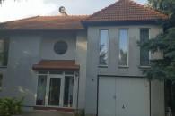 MASZKÓW – przestronny dom o pow. 250 m2 z dużym pełnym drzew ogrodem.